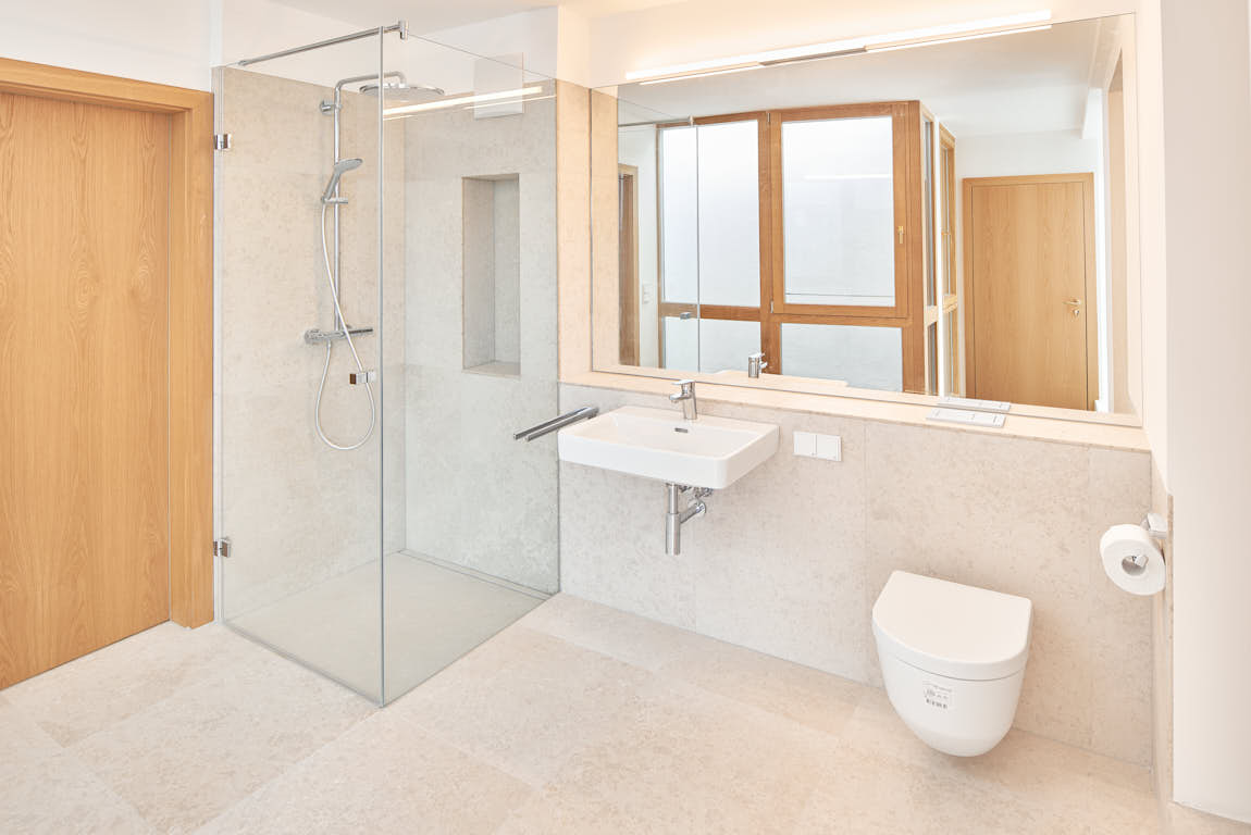 Badezimmer aus Kanfanar Naturstein